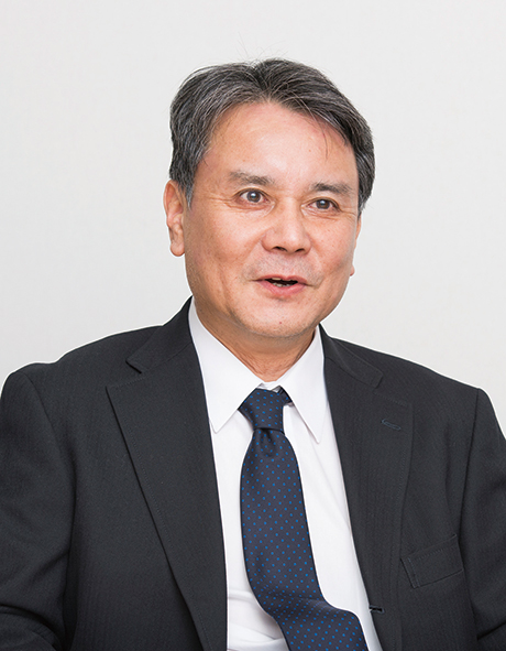 株式会社近鉄エクスプレス 経理部長 乾 和雄