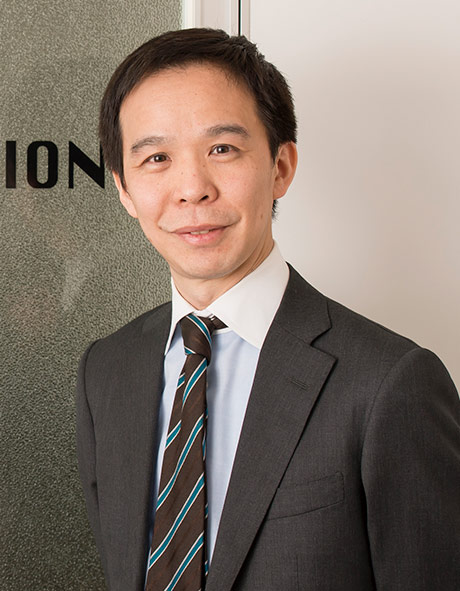 データセクション株式会社 取締役CFO 経営管理部 部長 望月 俊男