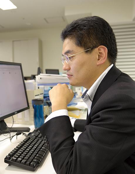 スター・マイカ株式会社 取締役管理本部長兼経営企画室長 日浦 正貴