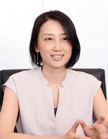 SFPホールディングス株式会社 経理財務部 部長 髙水 あゆみ